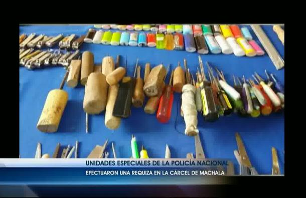 80 armas blancas se encontraron en el Centro de Rehabilitación de Machala